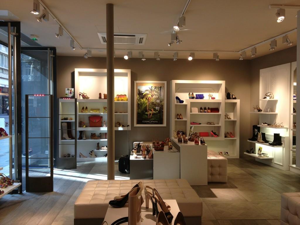 r alisation de nos chantiers d 39 agencement de magasins et de bureaux. Black Bedroom Furniture Sets. Home Design Ideas